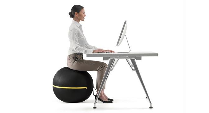 Fitball, rivoluziona il concetto di seduta migliorando la tua postura